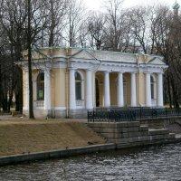 Павильон Росси в Михайловском саду. :: Валентина Жукова