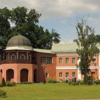 Бывшая западная башня (XVII в.),Настоятельские покои (XVII в.) :: Александр Качалин