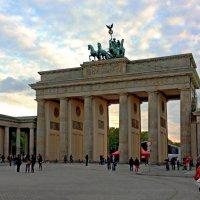 Бранденбургские ворота :: Сергей Карачин