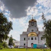 Патриаршее подворье в Екатеринбурге. :: Валерий Молоток