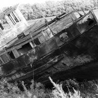 Этот Корабль затонул в Астрахане более 100 лет назад . :: Виктория Дмитриевна