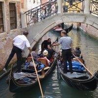 Венецианское такси :: Лариса Заря