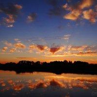 Янтарный закат.. :: Антонина Гугаева