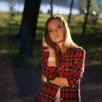 красивая девушка :: Михаил Краев