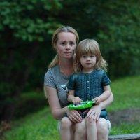 Портрет в лесу на скамейке.. :: Orest76 W.