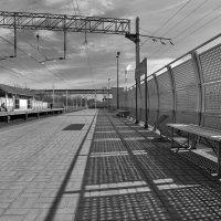 Поезд уехал, тени остались :: Рина ***