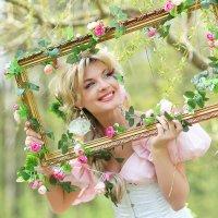 Прекрасная девушка в цветах :: Anton Megofoto