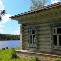 Избушка у реки :: Дмитрий Авдонин