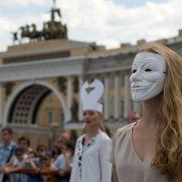 Живые шахматы на Дворцовой :: Юрий Лепкин