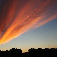 багровое небо :: Alexander Varykhanov