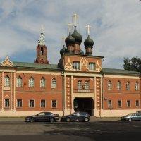 Надвратная церковь Воздвижения Креста Господня :: Александр Качалин