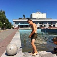 Лето,дети и фонтан :: Владимир