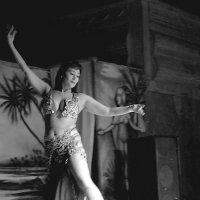 Танцовщица :: Юлия Якубова