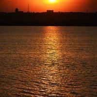 Ущемлённое солнце :: Юрий Муханов