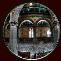 стены протестантского храма :: Александр Корчемный
