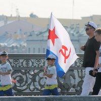 Моряки и будущие моряки :: Вера Моисеева