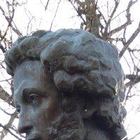 Памятник Пушкину в Болдине, Фрагмент. :: Любовь (Or.Lyuba) Орлова
