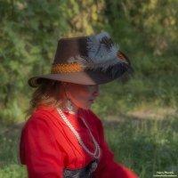 Девушка в красном :: Valeriy Piterskiy