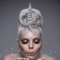 Magic Unicorn :: Lisa Serge