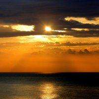 Средиземноморский рассвет :: Елена Шемякина