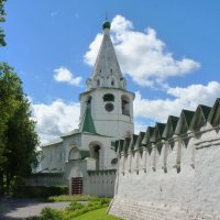 В  Суздале....   дорога  в  кремль.... :: Galina Leskova