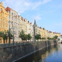 Разноцветная Прага... :: Марина Назарова