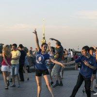 Танцуют все! :: Valerii Ivanov