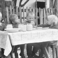 Завтрак. :: Олег Афанасьевич Сергеев