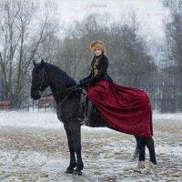 Парадный портрет всадницы :: Виктор Перякин