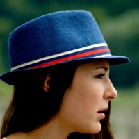 Девушка в шляпе. :: Николай Сидаш
