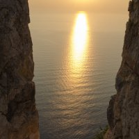 немного солнца в вечерней воде :: Сергей Анисимов