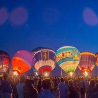Воздушные шары ночное свечение :: Станислав Пересыпкин
