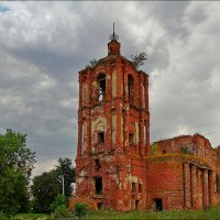 Руины Успенского собора в Перемышле Калужской области. :: Дмитрий Анцыферов