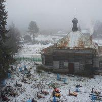 Вид с колокольни Никольской церкви на Ильинскую церковь :: Елена Павлова (Смолова)