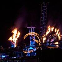 Танец с огнем :: Александр Максимов
