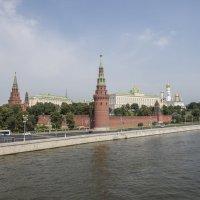 Кремль, вид с Каменного моста :: Павел Путято