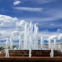 Городской фонтан. :: Александр Рамус