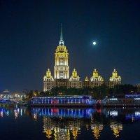 Большая луна :: Viacheslav Birukov