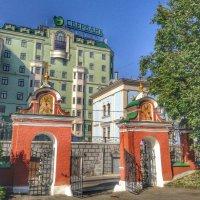 Ворота в храм :: Ирина Бирюкова