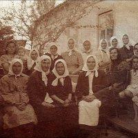 Вознесеновские бабушки и внуки. 1940 год :: Нина Корешкова