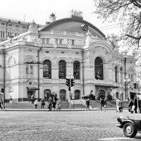 Киев-  Государственный театр оперы и балета им. Т.Г. Шевченко :: yuri Zaitsev