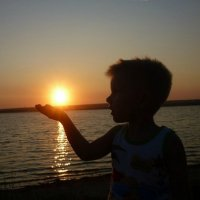 Солнце село на ладошку. :: Маргарита ( Марта ) Дрожжина