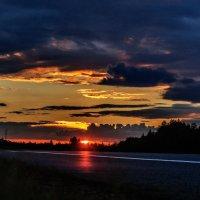 Закат над трассой Витебск-Полоцк. 01. :: Анатолий Клепешнёв