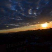 Закат над городом :: Леся Орлова