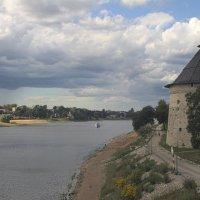 Река Великая во Пскове :: Виктор Лимашев
