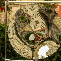 причудливость зеркал... :: Саша Ш.
