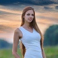 Портрет девушки на закате :: Анатолий Клепешнёв