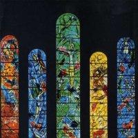 Оригинальные витражи, работы Марка Шагала, пожалуй, самая впечатляющая часть собора Фраумюнстер :: Елена Павлова (Смолова)