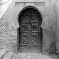 Старинная дверь в португальской крепости. :: Светлана marokkanka
