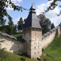 Псково-Печерский Свято-Успенский монастырь... :: Ludmil Sams
